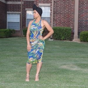 Dresses & Skirts - Tropical Curve Dress